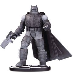 Armored Batman - Black and White - DC Comics - DC Collectibles