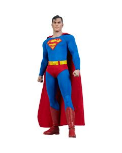 Superman - Sixth Scale Figure - DC Comics - Sideshow Collectibles